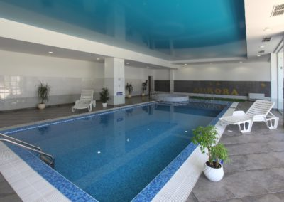 IndoorSwim.pool