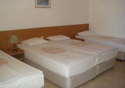 Room-4pax