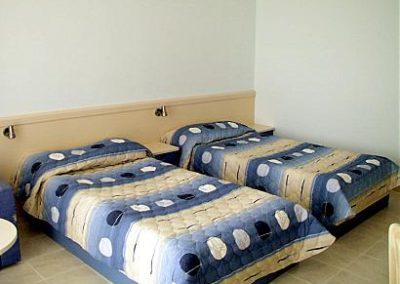Dolphin room 02