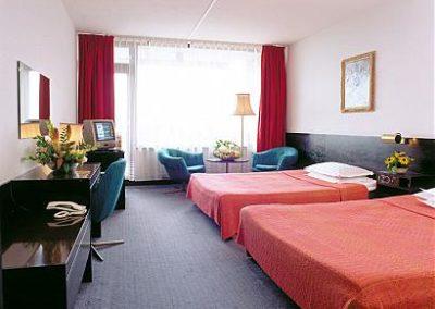 Grand Hotel Varna room 01