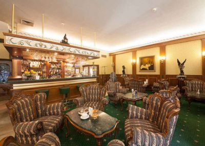 Grand Hotel London 11