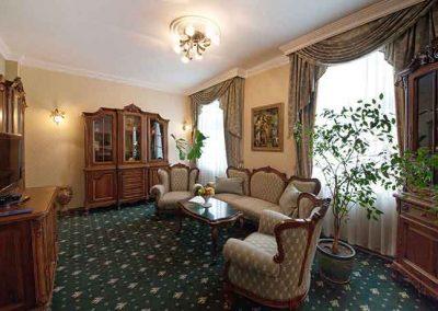 Grand Hotel London Room 02