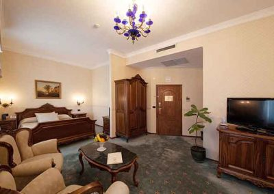 Grand Hotel London Room 03