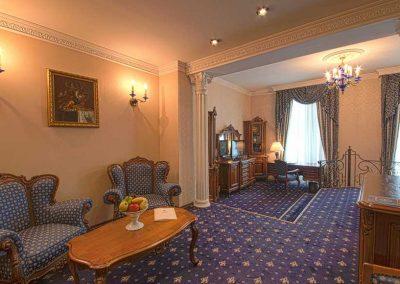 Grand Hotel London Room 06
