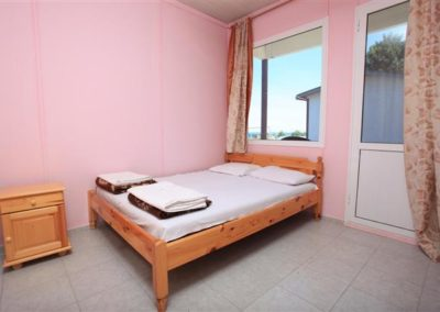 Bungalow room 02