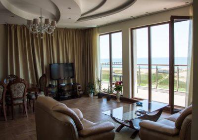 Long Beach Resort room 05