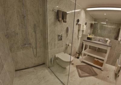 Oasis room 04