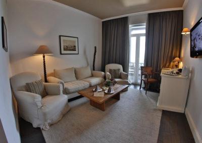 Oasis room 06