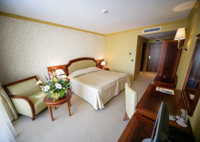 Romance room 01