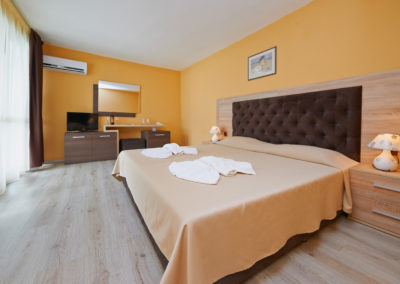 Interhotel Pomorie Room 02