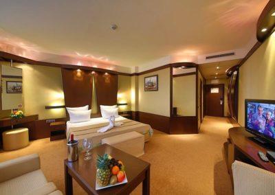 Swiss BelHotel DeLux Room 03